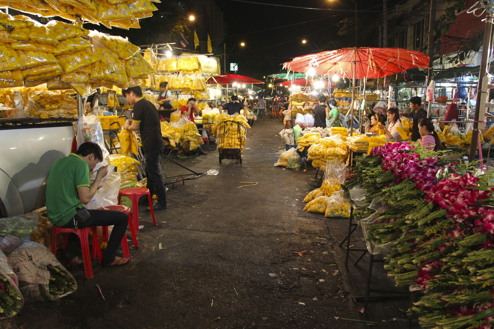 Pak Khlong Talat Night Market